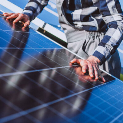 ¿Cómo conseguir subvenciones para placas solares en Castilla La Mancha?